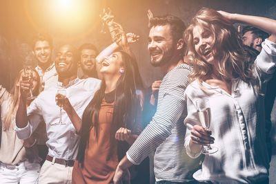 生活習慣の乱れが口周りの白ニキビに影響している