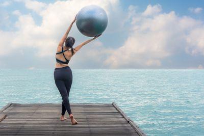 軽い運動で足腰の筋肉を鍛える