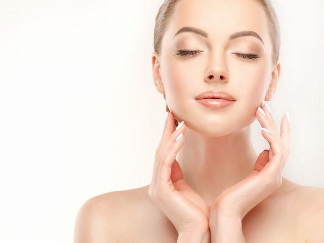 《乾燥肌なのにニキビができる原因》カサカサ肌を洗顔から改善!大人ニキビを治そう!
