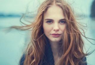 髪の毛がパサパサでまとまらない!しっとりなめらか美髪を取り戻すヘアケア対策7選